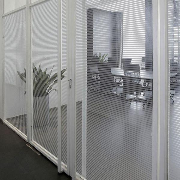 Solar Screen® Milchglasfolie IRIDIUM Streifenmuster grau