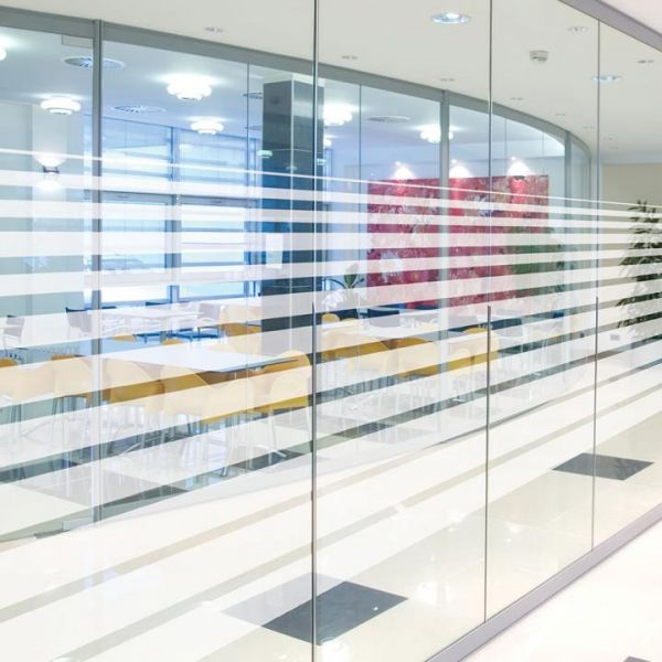 Solar Screen® Milchglasfolie LINEAL mit Streifenmuster