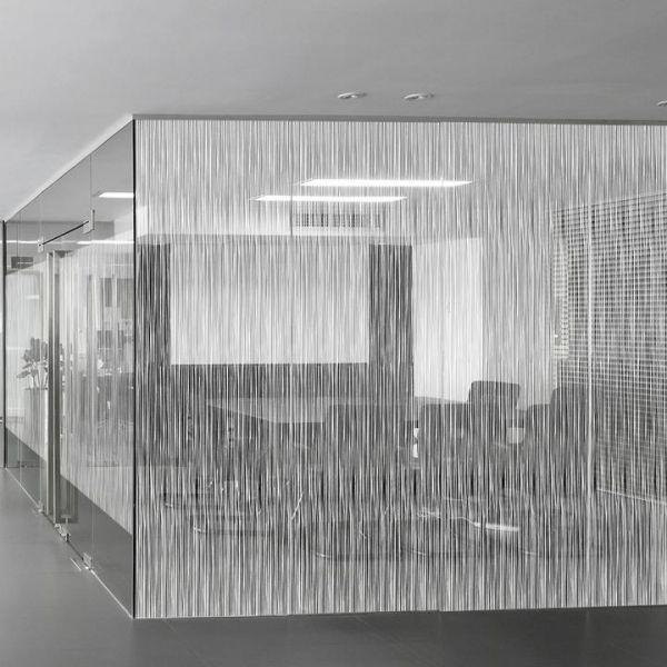Solar Screen® Fensterfolie mit veritkalen Linien SWING